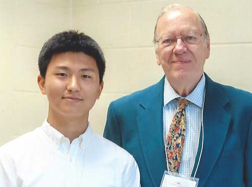 Congratulations to Donggun Oh! Picured with Bill Holstein, Friends Co-President